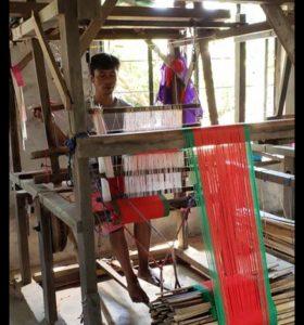 Christys-loomweaving-souvenircraft-