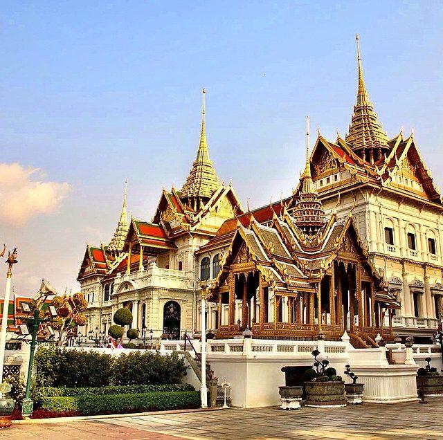 12 Tempat Menarik Di Bangkok Yang Wajib Dikunjungi