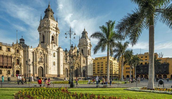11 Tempat Wisata di Lima Terfavorit dan Terpopuler