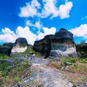 Tambang batu di Kabangbang,Bantayan Island
