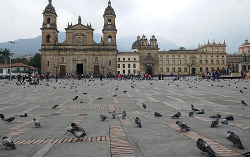Bolívar-Square