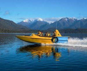 Fiordland-jet-boat-tours-lake-Te-Anau-manapouri-16-560x460