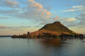 Mauao atau Gunung Maunganui