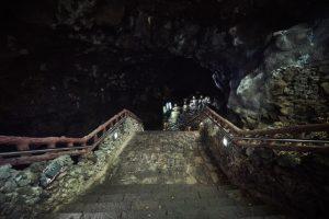 Menjanggul Cave