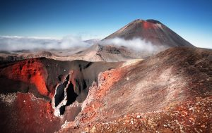 new-zealand-taupo-mount-ngauruhoe-tongariro-alpine-crossing