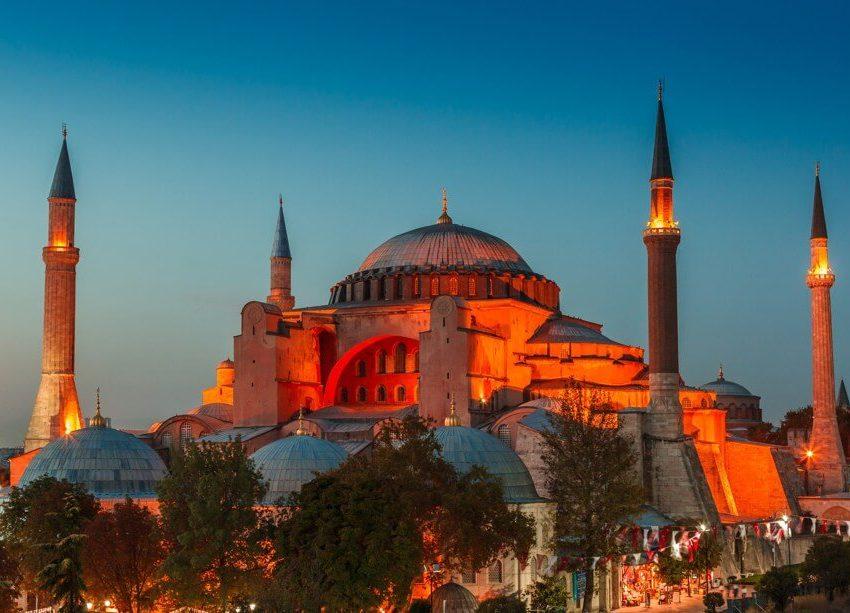 9 Tempat Bersejarah Islam Di Turki Paling Mempesona