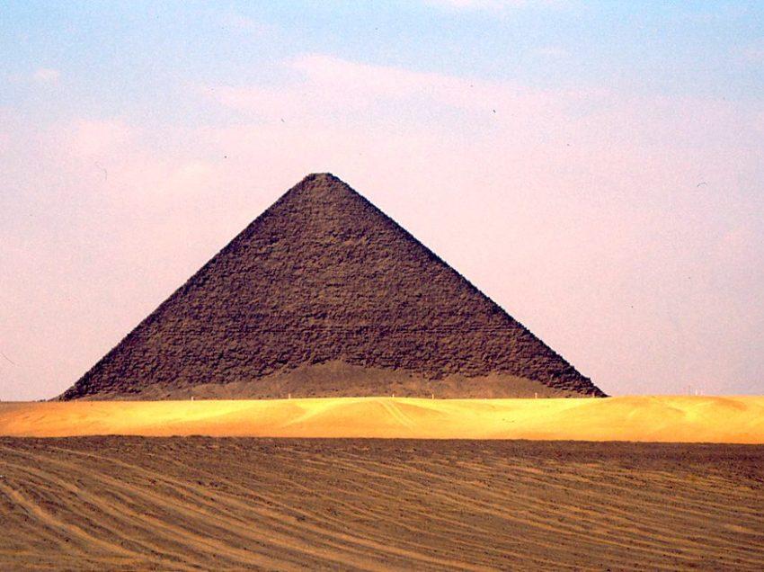 13 Tempat Wisata Di Dahshur Mesir Terkenal Dan Terfavorit