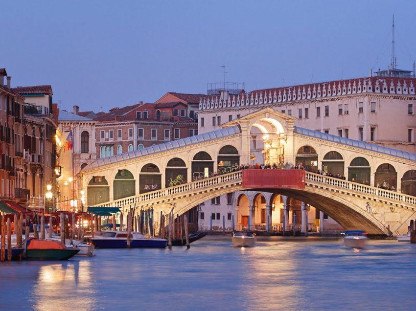 13 Tempat Wisata Di Venice Paling Populer