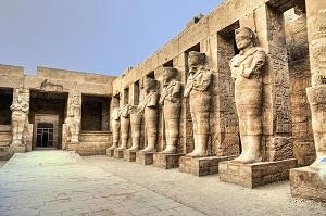 18 Tempat Bersejarah di Mesir Wajib Dikunjungi