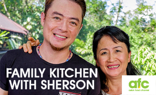 FAMILY KITCHEN WITH SHERSON