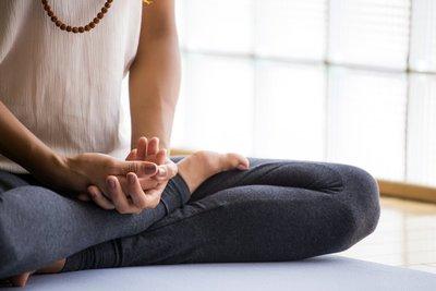 Thumb meditation for beginners