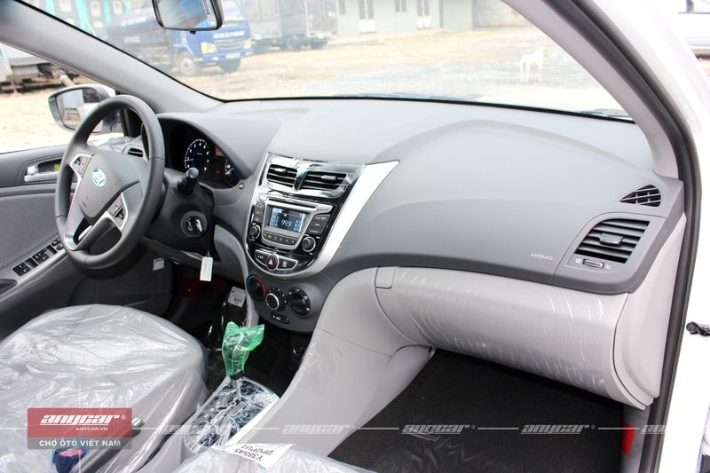 Hyundai Accent Blue 1.4AT 2015 - 8
