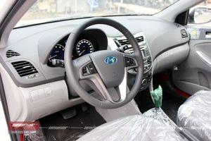 Hyundai Accent Blue 1.4AT 2015 - 16