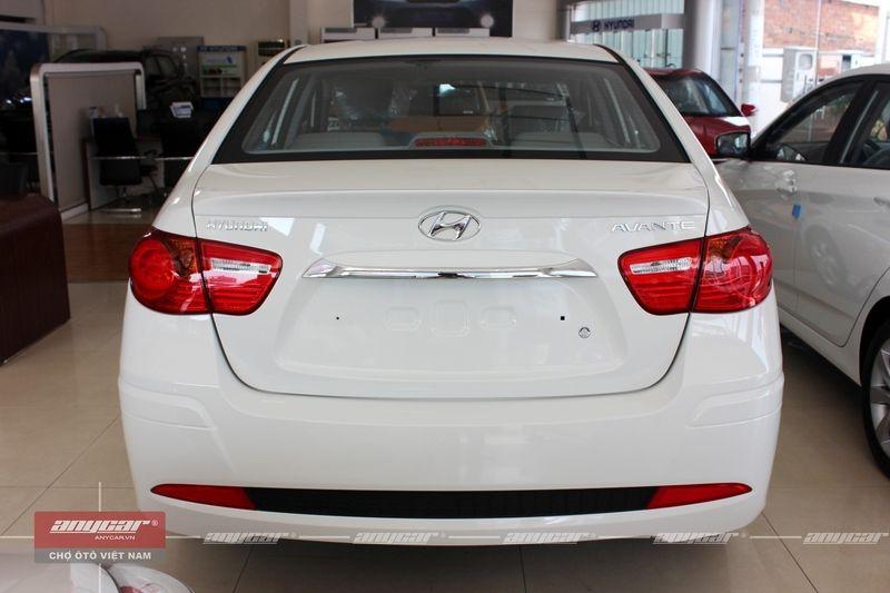 Hyundai Avante 1.6AT 2015 - 6