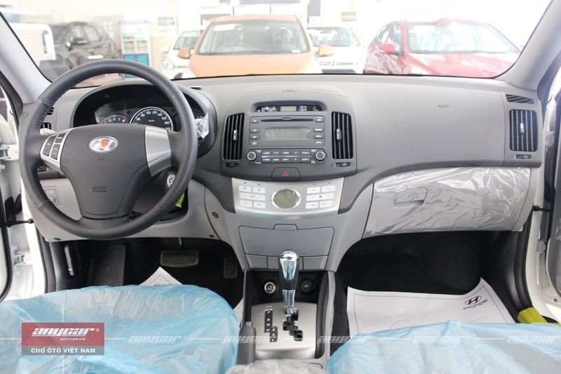 Hyundai Avante 1.6AT 2015 - 18