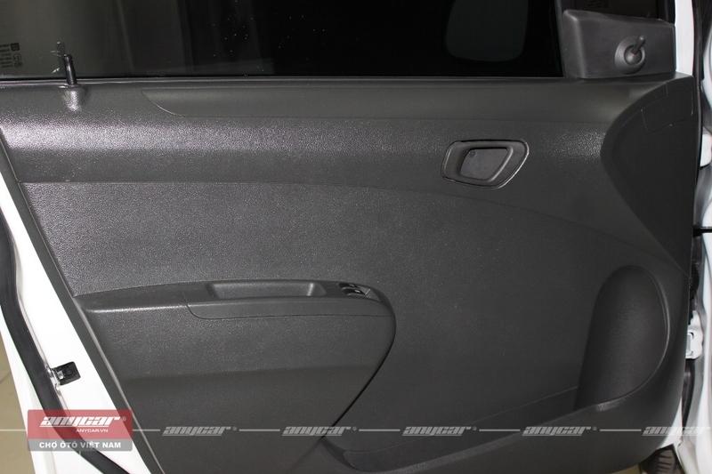 Chevrolet Spark Van 1.0 AT 2012 - 26