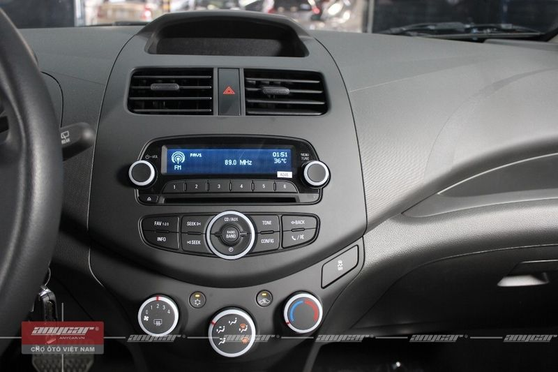 Chevrolet Spark Van 1.0AT 2015 - 43