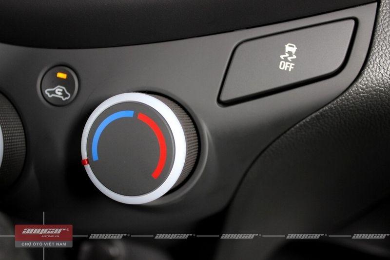 Chevrolet Spark Van 1.0AT 2015 - 45