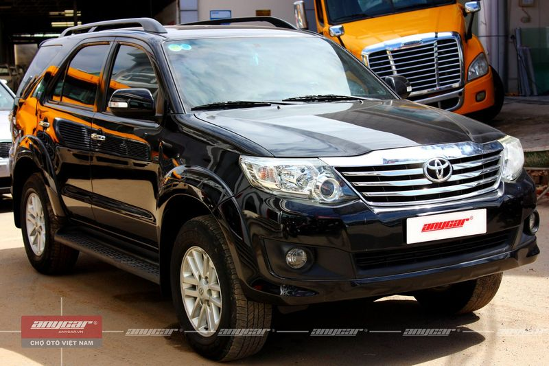 Toyota Fortuner V 2.7AT 2012