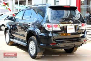 Toyota Fortuner AT 2012 - 5