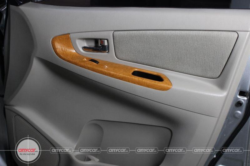 Toyota Innova G 2.0MT 2009 - 9
