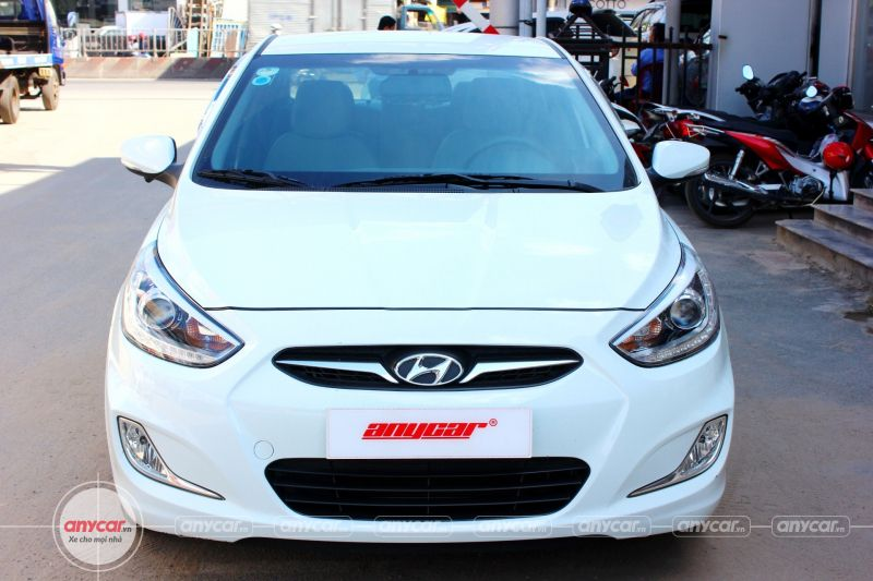 Hyundai Accent AT 2014 - 1
