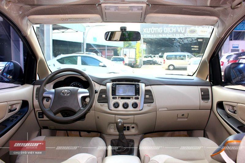 Toyota Innova MT 2015 - 22