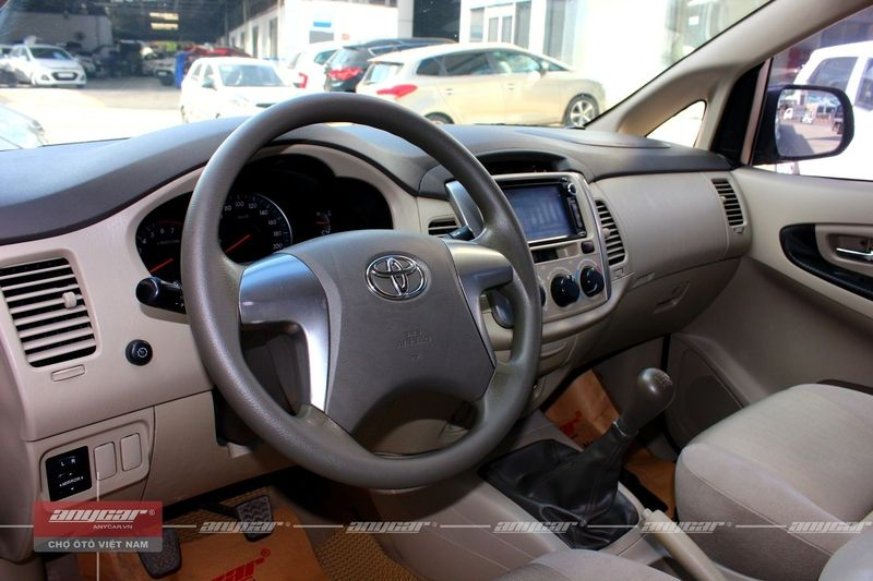 Toyota Innova MT 2015 - 13