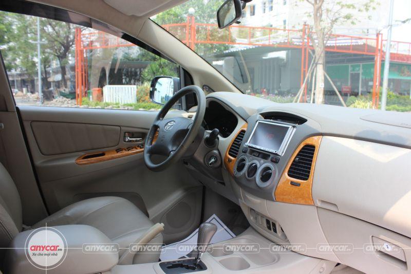 Toyota Innova AT 2008 - 10