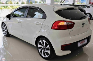 Kia Rio 1.4AT 2015 Hatchback - 7