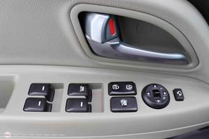 Kia Rio 1.4AT 2015 Hatchback - 10