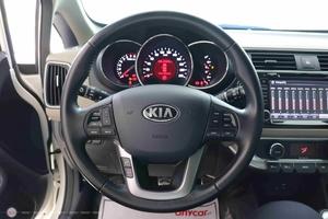 Kia Rio 1.4AT 2015 Hatchback - 11