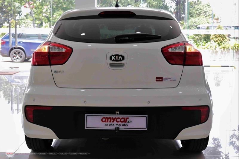 Kia Rio 1.4AT 2015 Hatchback - 8
