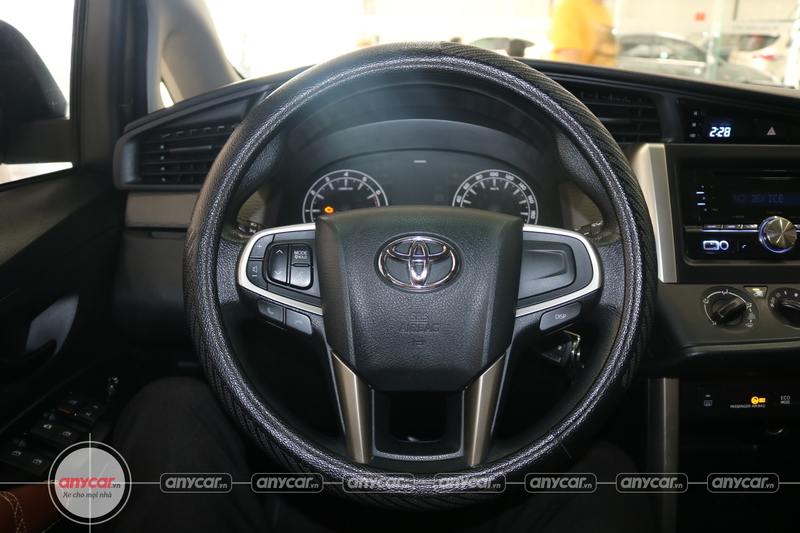 Toyota Innova 2.0E 2016 - 13