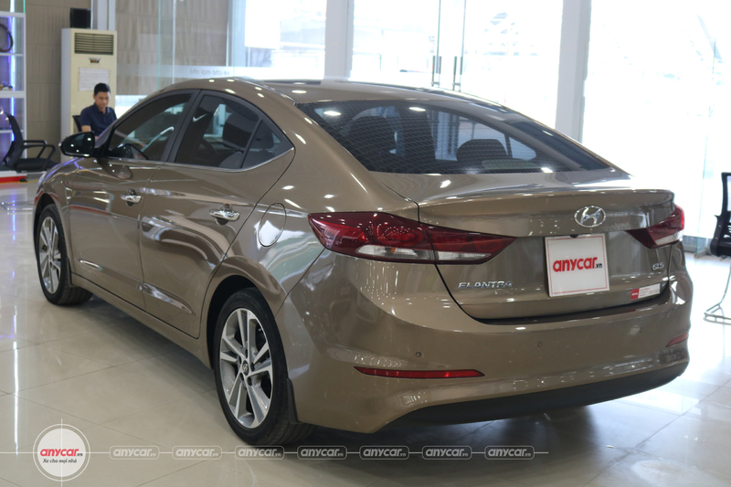 Hyundai Elantra 2.0AT 2016 - 6