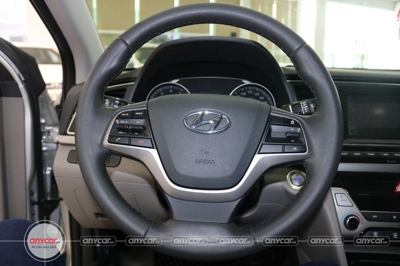 Hyundai Elantra 1.6AT 2016 - 9