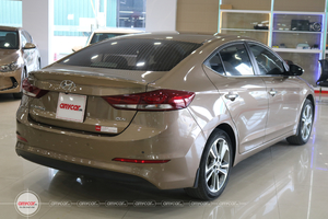 Hyundai Elantra 2.0AT 2016 - 4