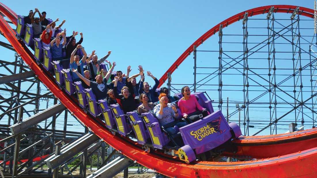 Roller coaster (Sumber: edition.cnn.com)