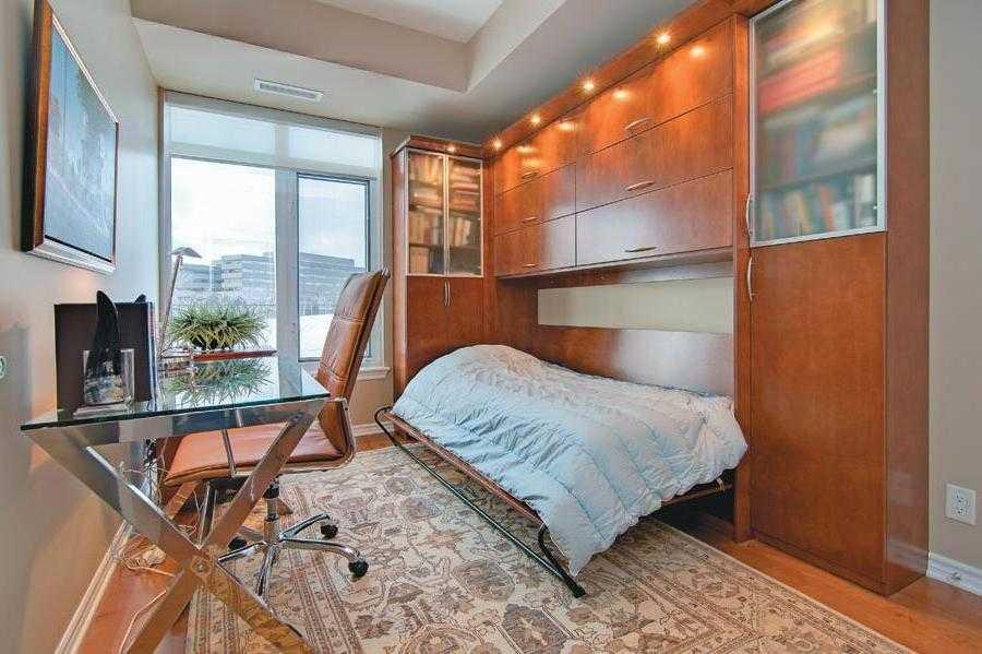 Kasur lipat cocok untuk kamar tidur kecil (Sumber: drawhome.com)