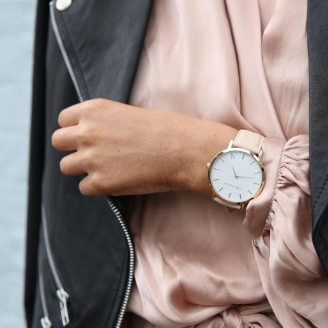 8 Rekomendasi Merek Jam Tangan Wanita Kualitas Terbaik - Gotomalls 4481c6be9b