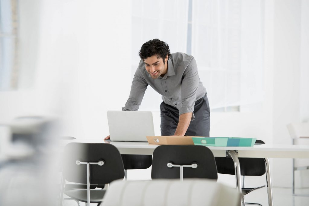 Cara Tetap Hidup Sehat Saat Bekerja