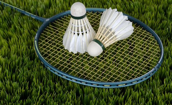 Jeudi badminton ce2 à cm2