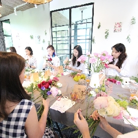 Seasonal peony workshop