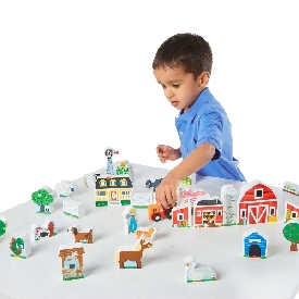 Wooden farm & tractor play