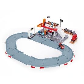 Race track station