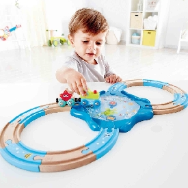 Undersea figure 8 wooden train set