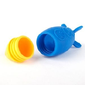 Silicone bath toy rocket squirt