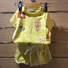 ชุดเสื้อยืด/กางเกงขาสั้น little things yellow