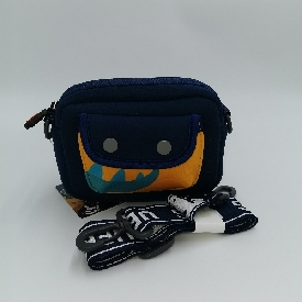 Uek กระเป๋าสะพายข้าง รุ่นซ่อนหา - หางไดโน สีน้ำเงินเข้ม