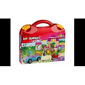 Lego juniors 10746 : mia's farm suitcase